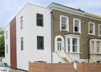 Thumbnail 1 bed flat to rent in Elmington Road, London