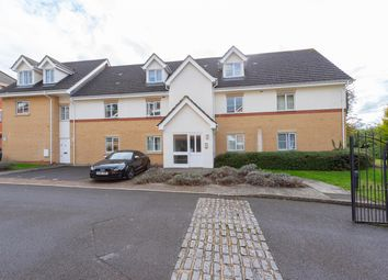 Thumbnail 2 bed flat for sale in Avenue Heights, Basingstoke Road, Reading