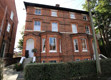 Thumbnail 1 bedroom flat to rent in Castle Crescent, Reading, Berkshire