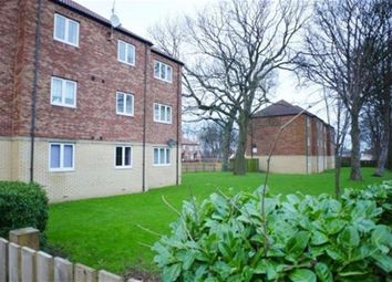 Thumbnail 2 bedroom flat for sale in Windsor Court, Bramley
