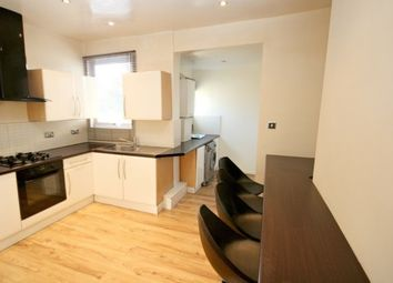 Thumbnail 2 bed flat to rent in Corporation Street, London