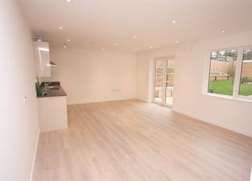 Thumbnail Studio to rent in Elysium Court, Bells Hill, High Barnet