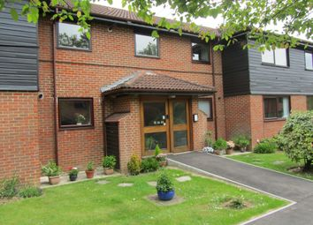 Thumbnail 2 bed flat to rent in Tadworth Street, Surrey