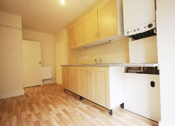Thumbnail 3 bed flat to rent in Chatsworth Road, London