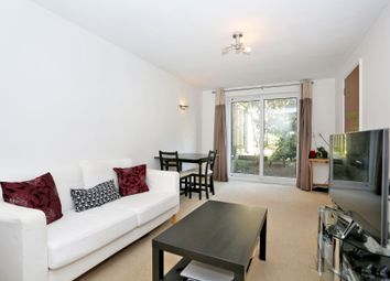 Thumbnail 1 bed flat to rent in Chalice Court, East Finchley