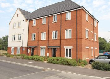 Thumbnail 2 bed flat for sale in Hammingden Court, Crawley