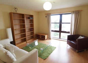 2 bed flat to rent in Roslin Place, Top Floor AB24