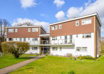 Thumbnail 2 bed flat for sale in Underwood Sq, Leigh-On-Sea, Essex