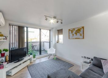 1 bed flat for sale in Putney Bridge Road, Wandsworth Town SW18
