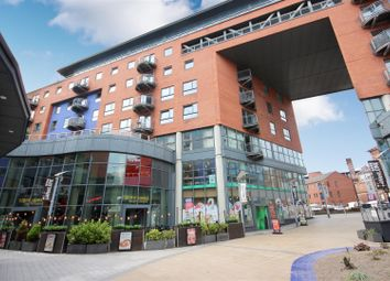 2 bed flat to rent in West One Plaza One, 9, Cavendish Street, Sheffield S3