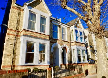 Thumbnail 1 bedroom flat for sale in 16 Greenhill Park, London