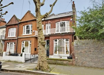 5 bed property to rent in Bettridge Road, London SW6
