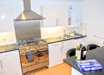 Thumbnail Room to rent in Sternhold Avenue, London