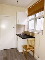 Thumbnail Studio to rent in Stamford Hill, Stamford Hill, London