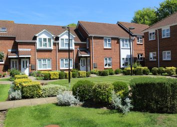 Yew Tree Court, Barnet Lane, Elstree WD6. 2 bed flat