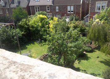 2 bed flat to rent in Hurle Crescent, Clifton, Bristol BS8