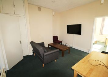 Thumbnail 2 bed flat to rent in London Road, Earley, Reading