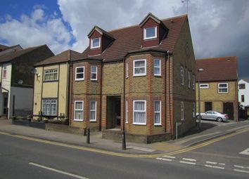 Thumbnail 1 bed flat to rent in High Street, Rainham