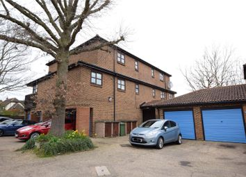 2 bed flat to rent in Courtney Park Road, Langdon Hills, Basildon, Essex SS16