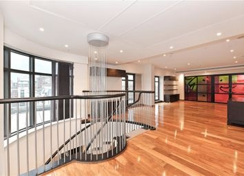 Thumbnail 3 bedroom flat to rent in North Row, Mayfair, London