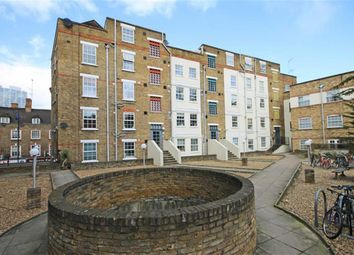 Thumbnail 1 bed flat to rent in Old Castle Street, London