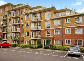 2 bed flat for sale in Glebelands Close, London N12