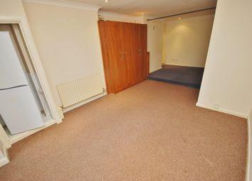 Thumbnail Studio to rent in Godstone Road, Caterham