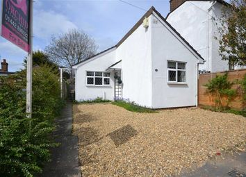 Thumbnail 2 bedroom detached bungalow to rent in Cowper Road, Hemel Hempstead, Herts
