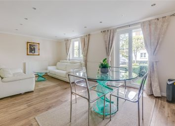 Thumbnail 2 bed flat to rent in Crofton Avenue, Chiswick, London