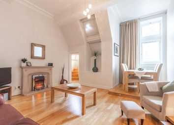1 bed flat to rent in Royal Mile Mansions, North Bridge, Old Town EH1