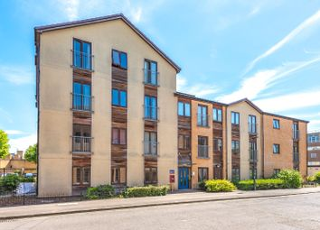 Thumbnail 2 bed flat for sale in Albion Place, Central Oxford