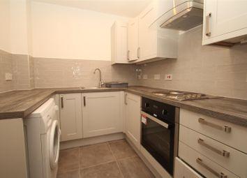 Thumbnail 2 bed flat to rent in Alexandra Road, Hemel Hempstead