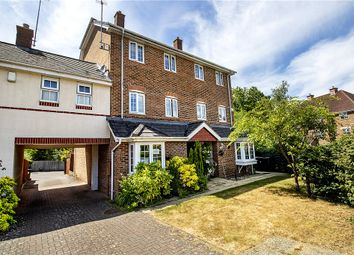 Hawkley Way, Elvetham Heath, Hampshire GU51. 4 bed detached house