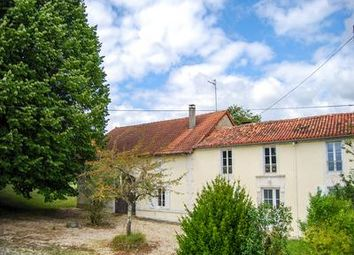 Thumbnail 5 bed property for sale in Juignac, Charente, France