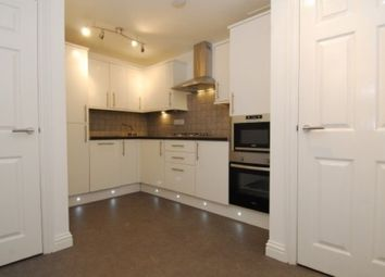 Thumbnail 2 bed flat to rent in Woodside, Greenbank, Plymouth