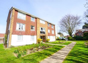Sedlescombe Road South, St. Leonards-On-Sea, East Sussex TN38. 2 bed flat for sale