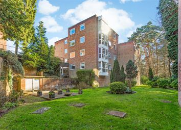 Cardwell Crescent, Ascot SL5. 2 bed flat for sale