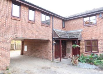 Thumbnail 2 bed maisonette to rent in Hythe Close, Bracknell