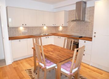 2 bed flat to rent in Oystermouth Road, Swansea SA1