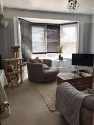 Thumbnail 2 bed flat to rent in 17 Bedfordwell Road, Eastbourne