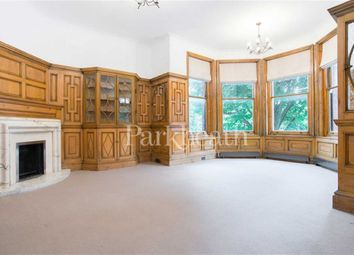 Thumbnail 3 bed flat to rent in Lindfield Gardens, Belsize Park, London