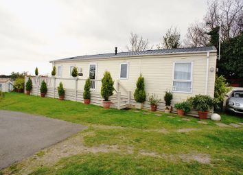 Thumbnail 2 bedroom mobile/park home for sale in Lakeview, Colchester Road, Clacton-On-Sea