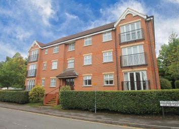Eothen Close, Caterham CR3. 3 bed property