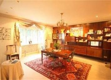 Thumbnail 7 bed detached house to rent in Cedars Close, London