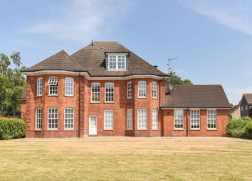 Thumbnail 2 bed flat for sale in Manor Road, St. Albans