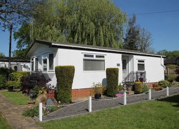 Thumbnail 2 bedroom mobile/park home for sale in River Road, Willows Riverside Park, Windsor