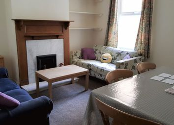 Thumbnail 4 bed property to rent in West Avenue, Bath