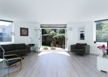 Thumbnail 2 bed flat to rent in Ridings Close, London