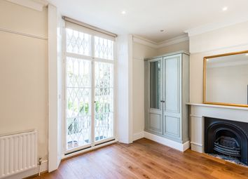 Thumbnail 2 bed flat to rent in College Crescent, Hampstead