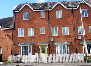 Thumbnail 4 bed town house for sale in Oakwood Road, Leicester